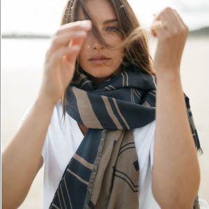 Cotton Diamond blanket scarf.